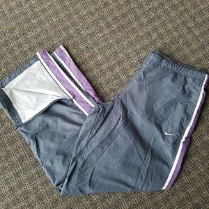 Nike Nylon lined Wind Pants Athletic Zip Ankle VTG ab93ea7d9c